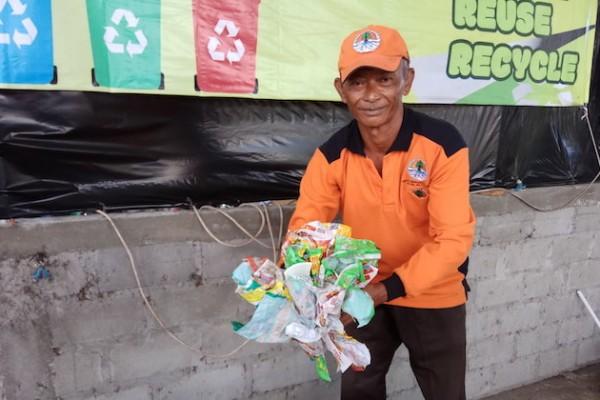 cara mengatasi sampah plastik agar tidak mencemari lingkungan