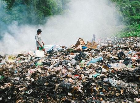 akibat dari pembakaran plastik