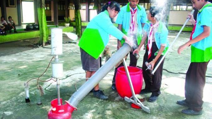 pengelolaan plastik dengan air panas