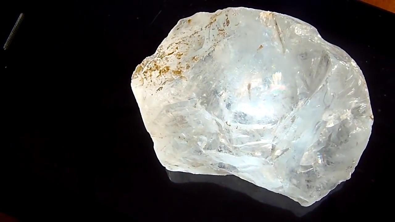 Berlian Mentah dengan Ciri-ciri Berlian Asli Mentah