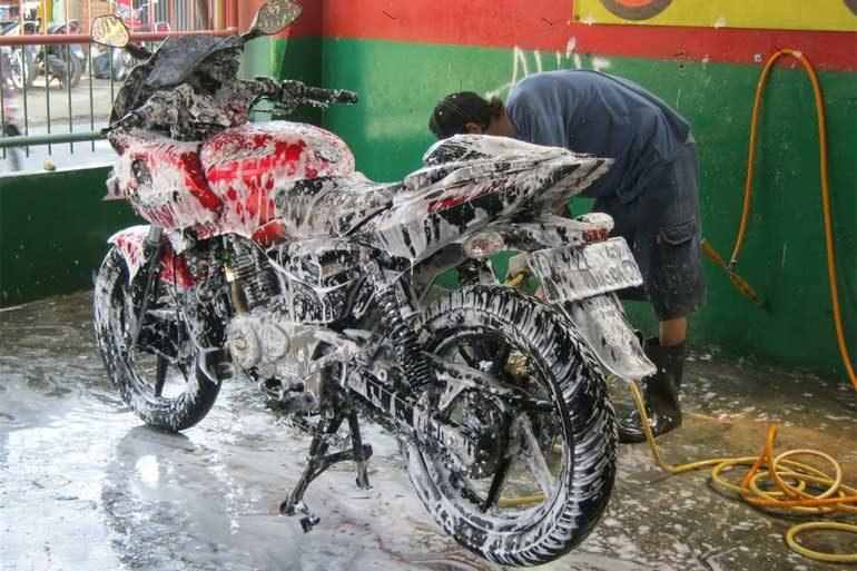 Membuka Cucian Motor