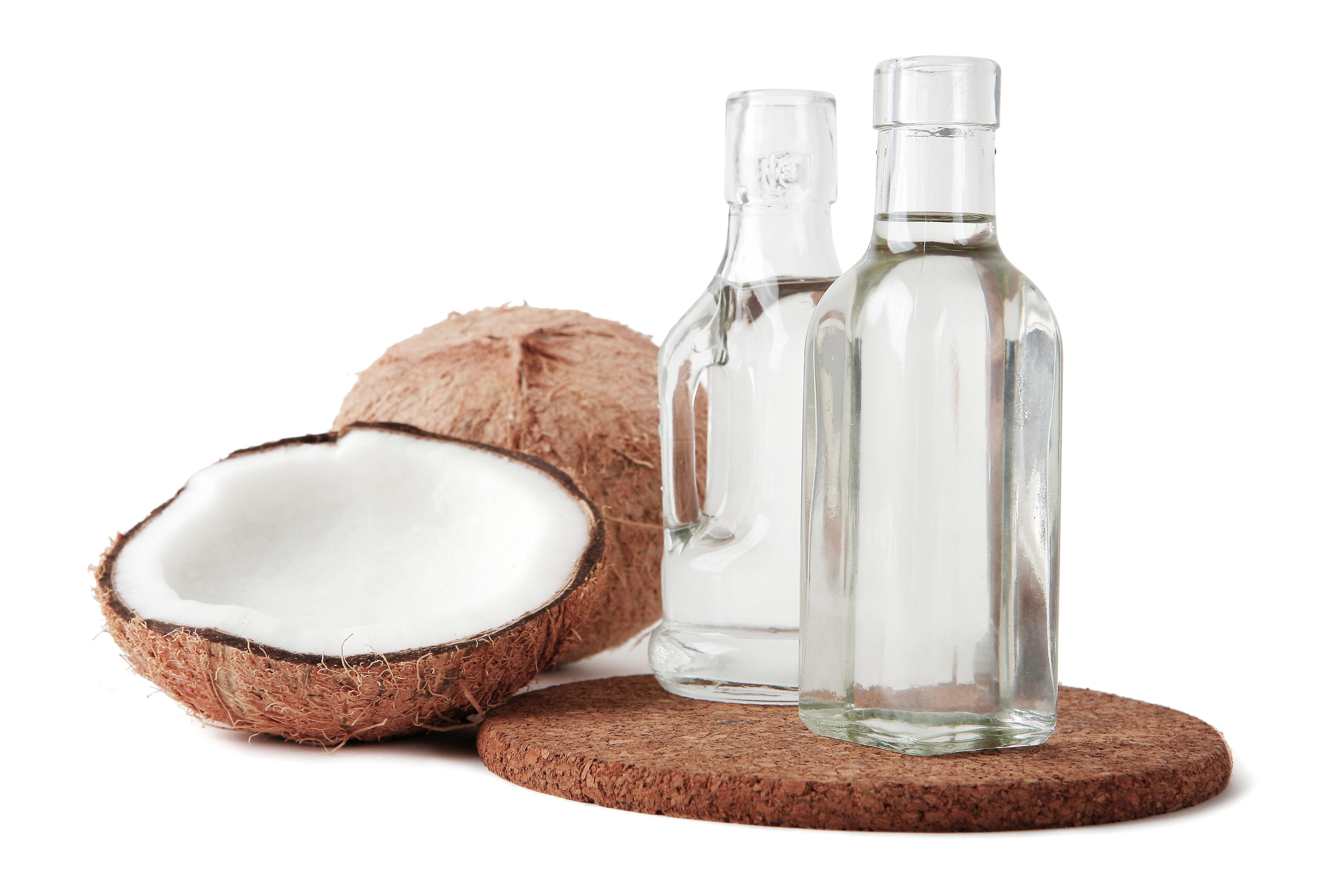 Khasiat minyak kelapa murni untuk rambut