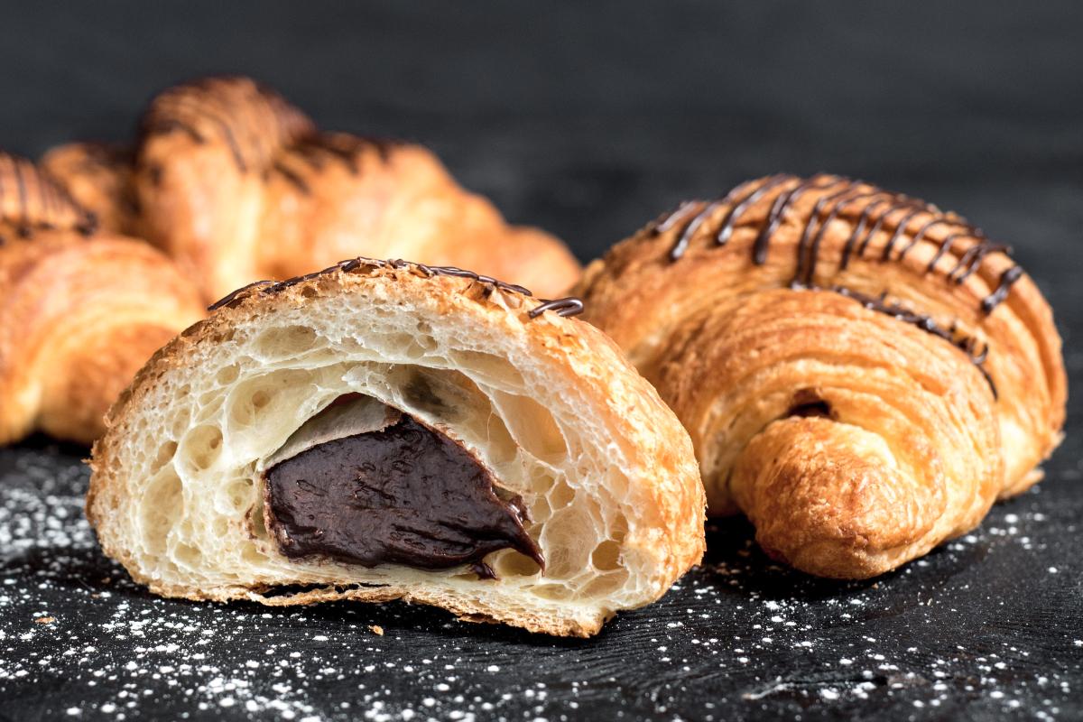 Resep Tentang Cara Membuat Croissant Coklat Special yang Lembut