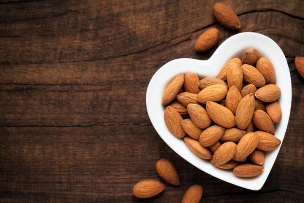cara memanggang almond